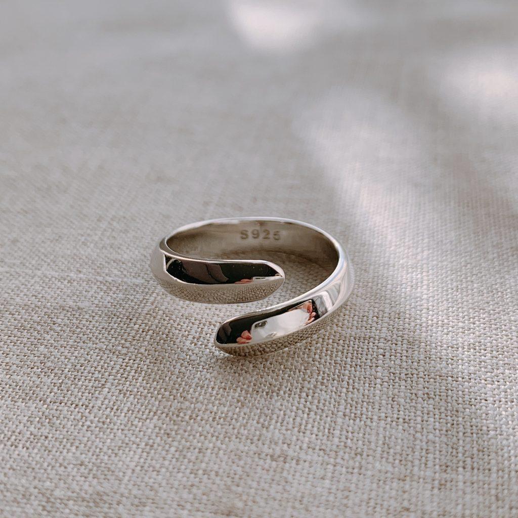 ハグリング(指輪)